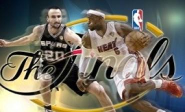 San Antonio Spurs, con Ginóbili, se enfrentan en la final con Miami Heat
