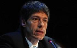 Abal Medina presentó un proyecto de ley para ampliar a siete los jueces de la Corte