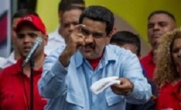 Almagro invocó la Carta Democrática y Maduro le respondió