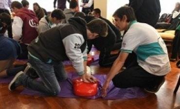 Habrá talleres de reanimación cardiopulmonar en escuelas secundarias