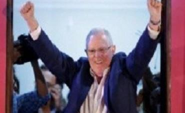 Con una ventaja mínima, Kuczynski se impone en las elecciones presidenciales en Perú