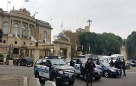 22/06/2017: Allanan el Hipódromo de Palermo y el Casino Flotante en una causa por supuesta evasión impositiva