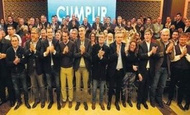 12/06/2017: A pedir de Macri: el peronismo dividido y el voto polarizado