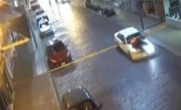 14/06/2017: Tandil: atropelló a un inspector de tránsito y lo llevó cuatro cuadras en el capot