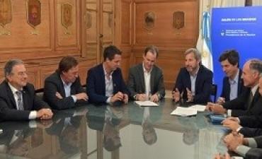 26/06/2017: Bordet rubricó contratos para obras en Concordia y Paraná por más de 700 millones de pesos