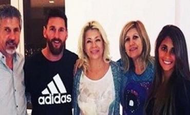 29/06/2017: Messi y Roccuzzo recibieron a la reina de la cumbia tropical