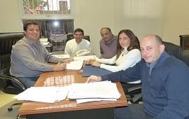 01/06/2018: La provincia rubricó los primeros contratos para ejecutar nuevas viviendas con fondos propios