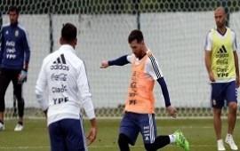 11/06/2018: El primer entrenamiento abierto de la Selección desató una locura por ver a Messi