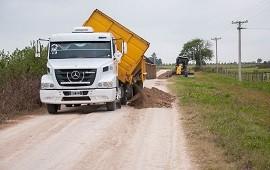 06/06/2019: Vialidad avanza con el repaso de caminos de vinculación productiva en distintos puntos de la provincia