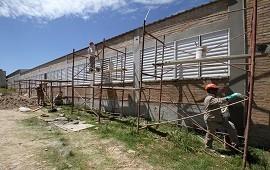 03/06/2019: Continúan las obras en las escuelas Basavilbaso y Belgrano de Concordia