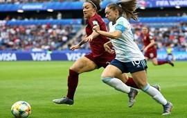 14/06/2019: Argentina peleó su segundo partido pero cayó ante Inglaterra por 1 a 0