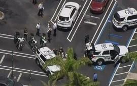 10/06/2021: Tres muertos tras un tiroteo en un supermercado de Florida
