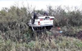 17/06/2021: Una conductora fue derivada a Concordia tras despistar y volcar con su camioneta