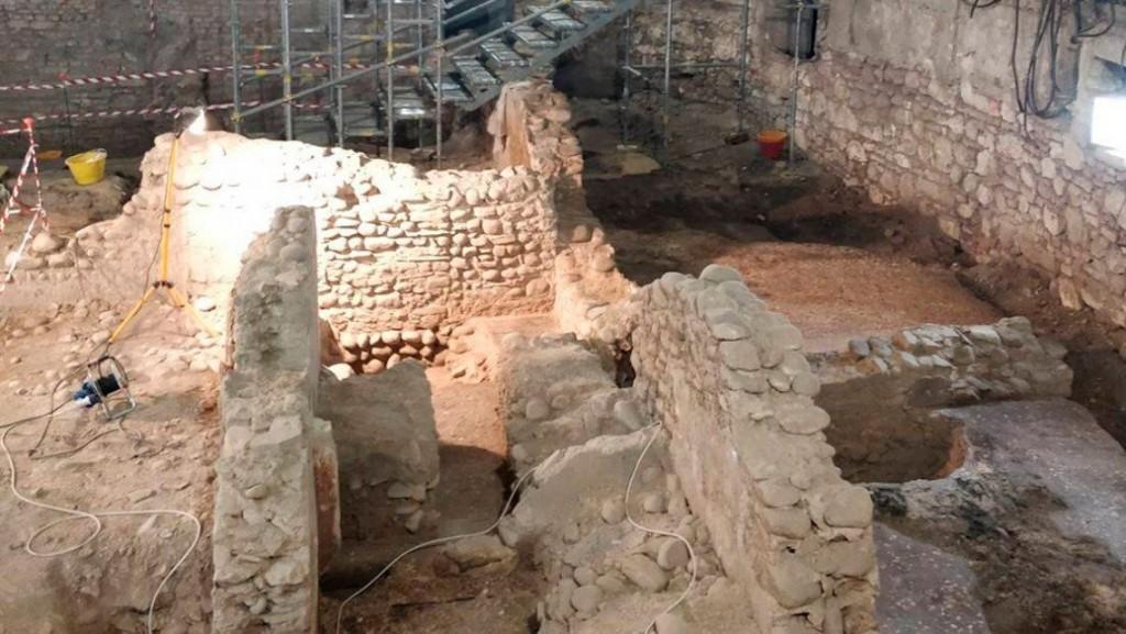18/06/2021: Italia: descubren una mini Pompeya de 2.000 años en el sótano de un cine