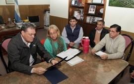 Entrega de aportes para la ejecución de viviendas en Galarza