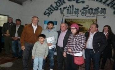 Diez familias de Estación Sosa recibieron nuevas viviendas del IAPV