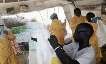 El virus del Ébola ya provocó la muerte de 672 personas en África