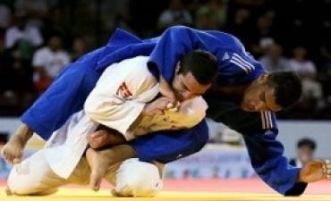 El judoca porteño Alejandro Clara ganó hoy la medalla de plata en la categoría -73