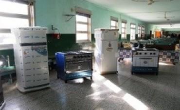 Fueron equipados seis comedores escolares de San Salvador
