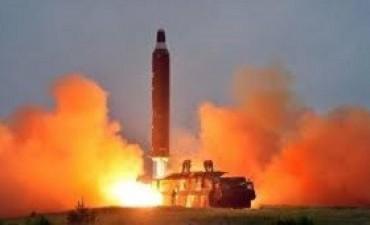 El régimen anunció que lanzó con éxito un misil intercontinental