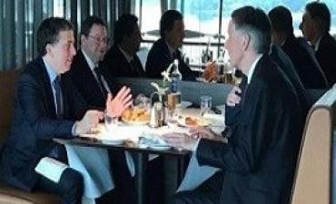 07/07/2017: Dujovne analizó inversiones y prioridades con el ministro de Finanzas del Reino Unido