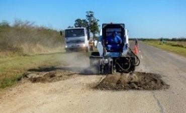 07/07/2017: Comenzaron los trabajos de bacheo en la ruta provincial 22