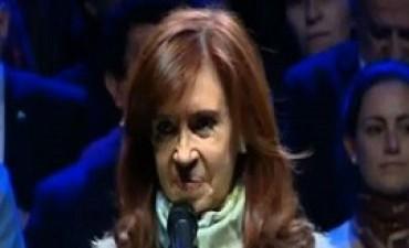 20/07/2017: Encerraron a periodistas para que no le hicieran preguntas a Cristina Kirchner cuando visitó un tambo