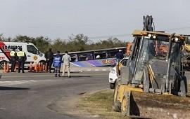01/07/2019: Tucumán: volcó un micro de jubilados y hay al menos 15 muertos