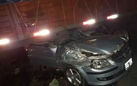 12/07/2019: Grave siniestro: dos jóvenes de Concordia chocaron contra un camión que cruzó por un retorno clandestino