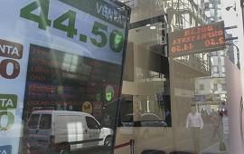 30/07/2019: El dólar superó los $45 ante la cercanía de las PASO