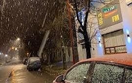 04/07/2019: Nevó en Tres Arroyos y el fenómeno podría extenderse a otras ciudades del país
