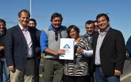 05/07/2019: Con recursos provinciales se licitarán viviendas de madera en Concordia
