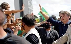 """07/07/2020: Jair Bolsonaro tiene coronavirus: """"Me siento perfectamente bien"""""""