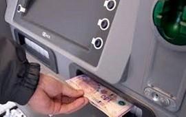 31/07/2021: Comenzó el pago de haberes con aumento a estatales entrerrianos