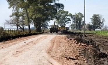 Recuperan caminos de zonas productivas y turísticas del departamento Colón