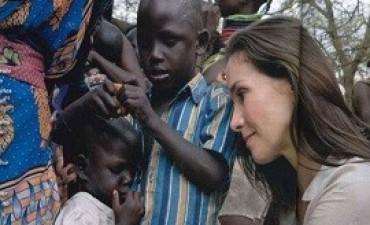 03/08/2017: UNICEF explicó por qué Natalia Oreiro viajó a África: pesó y midió a bebés afectados por la desnutrición