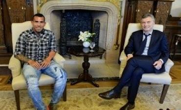 """26/08/2017: 26/08/2017Fútbol y política """"Macri es el hombre que puede cambiar el país"""""""