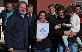 """14/08/2018: """"La vivienda es un derecho constitucional"""", afirmó Bordet"""