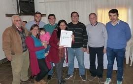 02/08/2018: Familias de Hernandarias y Piedras Blancas recibieron las escrituras de sus viviendas