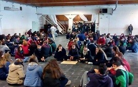 10/08/2018: Más de 300 estudiantes participaron de talleres para centros de estudiantes en Federación