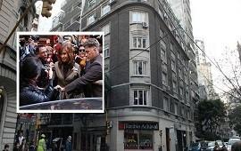 13/08/2018: Cuadernos de las coimas: operativo de la Policía Federal en edificio de Cristina Kirchner