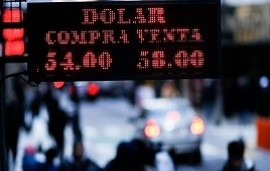 27/08/2019: El dólar cerró a $58 y el Riesgo País llegó a 2001 puntos básicos