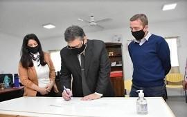 03/08/2020: Francolini realizó la firma del convenio para el nuevo equipamiento en el NIDO