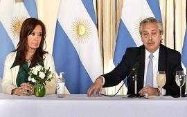 """06/08/2020: Deuda: según The Economist, el acuerdo es una buena noticia, pero Alberto Fernández debe """"domesticar a una disruptiva"""" Cristina Kirchner"""