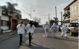 """06/08/2020: """"Vamos a hacer testeos para detectar casos que puedan ser asintomáticos"""", explicó Barboza en el barrio San Agustín"""