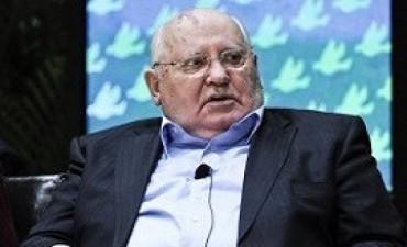 Gorbachov dice que EE.UU es el