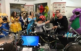 13/09/2017: Jorge Lanata festejó su cumpleaños con La Mosca, Barney, un Minion y princesas de Disney