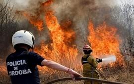 28/09/2020: Incendios forestales en Córdoba: buscan desactivar dos focos con diez aviones hidrantes y 300 bomberos