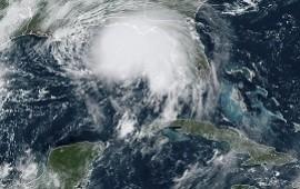 """15/09/2020: El huracán Sally se acerca a costa estadounidense del Golfo de México: se temen inundaciones """"históricas y devastadoras"""""""