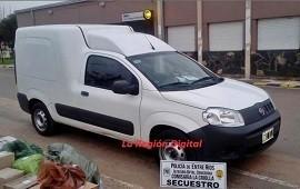 26/09/2020: Secuestraron una camioneta con la que se robaba plantas de la vía pública